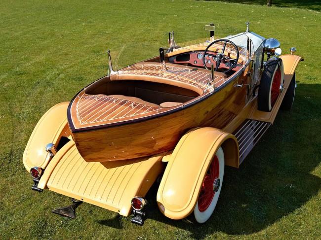 Tervezői forradalom 1932-ből: csónaktestű Phantom II 40/50 HP Continental Boattail Tourer. A hátsó utasok előtt is volt külön szélvédő