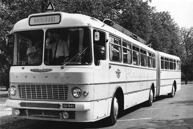 1965-ben új rendszámmal (GA-79-65) Pécsre került, majd 1967-től átépítve, különleges Hotelbuszként szolgált az egykori FAÜ mintakocsi