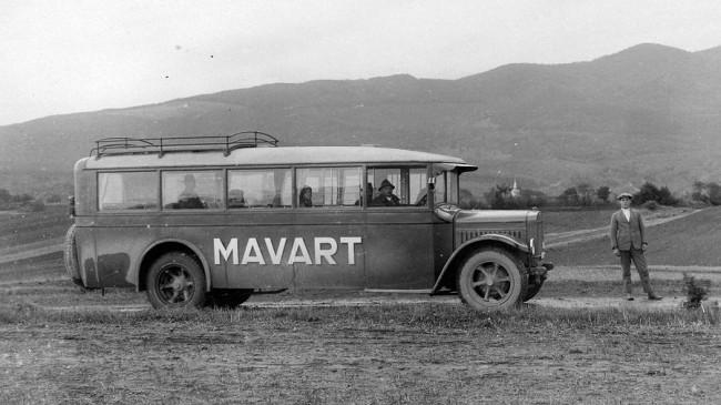 – Mávag-Mercedes-Benz autóbusz. 1927-től a MAVART, 1935-től a MÁVAUT végezte a közúti társasgépkocsis személyszállítást. A KSH kimutatása szerint 1926 januárjában 104 busz volt Magyarországon