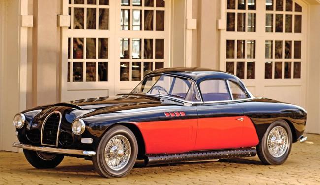Bugatti 101 - a nyolcból csupán egyetlen készült Antem-felsővel. Az 1951-es roadster az előd Type 57 3,3 l-es, feltöltős soros nyolcasával futott