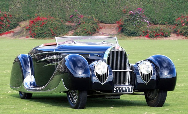 Reza sah krómcicomás nászajándék Bugattijának süllyeszthető a szélvédője. 3,2 l-res 175 LE-s feltöltős soros nyolcas repítette