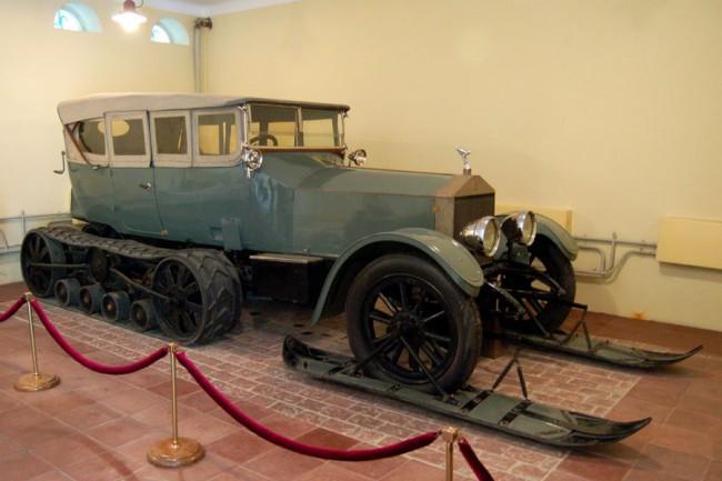 Cári hómobil, azaz a Rolls-Royce Silver Ghost. Később Lenin használta