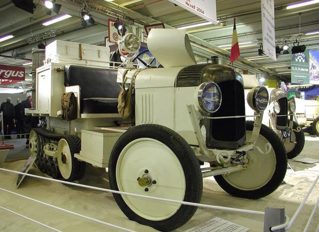 Afrika hőse volt a B2, 1922-ben 21 nap alatt 3000 km-t tett meg a forró homokban, két évvel később pedig eljutott egészen az Egyenlítőig