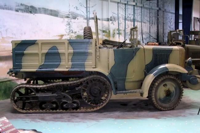 Már alapjaiban új konstrukció volt az 1934-től kifejezetten katonai célokra készült P107-es
