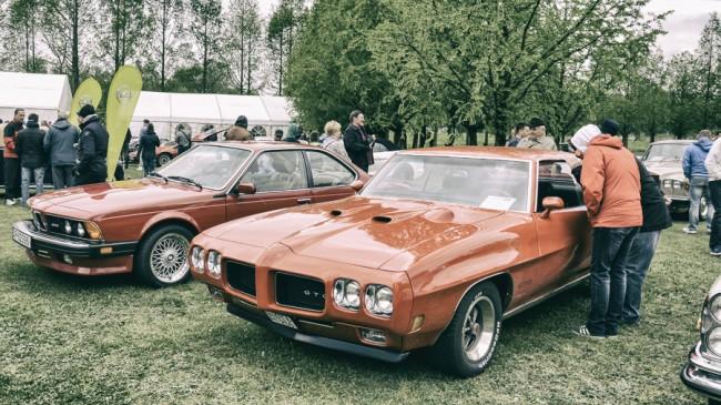 Izomautók egymás között: a BMW M6 amerikai kivitelű, ezért a 286 LE-s sorhatost katalizátorral szerelték , ami cirka 25 LE-t elvett a teljesítményből. A Pontiac GTI igazi macsó muscle car, teljes felújítás után érkezett Hévízre