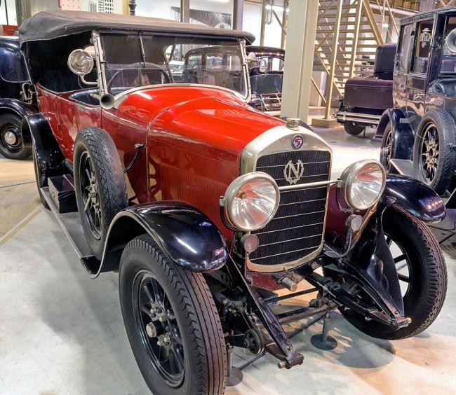 Fegyvergyárból lett autógyár, a belga Nagant, ez egy D'Ieteren-féle négyhengeres 15HP Torpedo 1924-ből