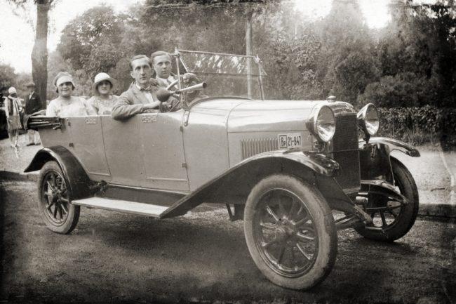 Olasz gyártmányú Chiribiri magyar rendszámmal. A torinói cég repülőgépekkel kezdte, első autóját 1914-ben dobta piacra